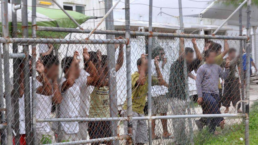 Foto: Refugiados en el campo de Manus, gestionado por Broadspectrum (Reuters)