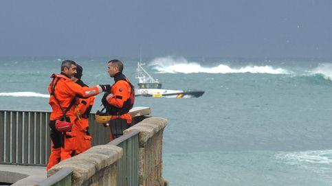 Reanudan la búsqueda de la joven arrastrada por el mar en A Coruña