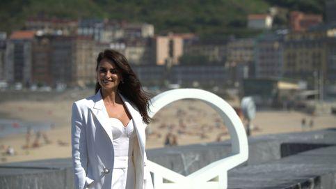 Penélope Cruz, resplandeciente y de blanco, reincidente de Chanel