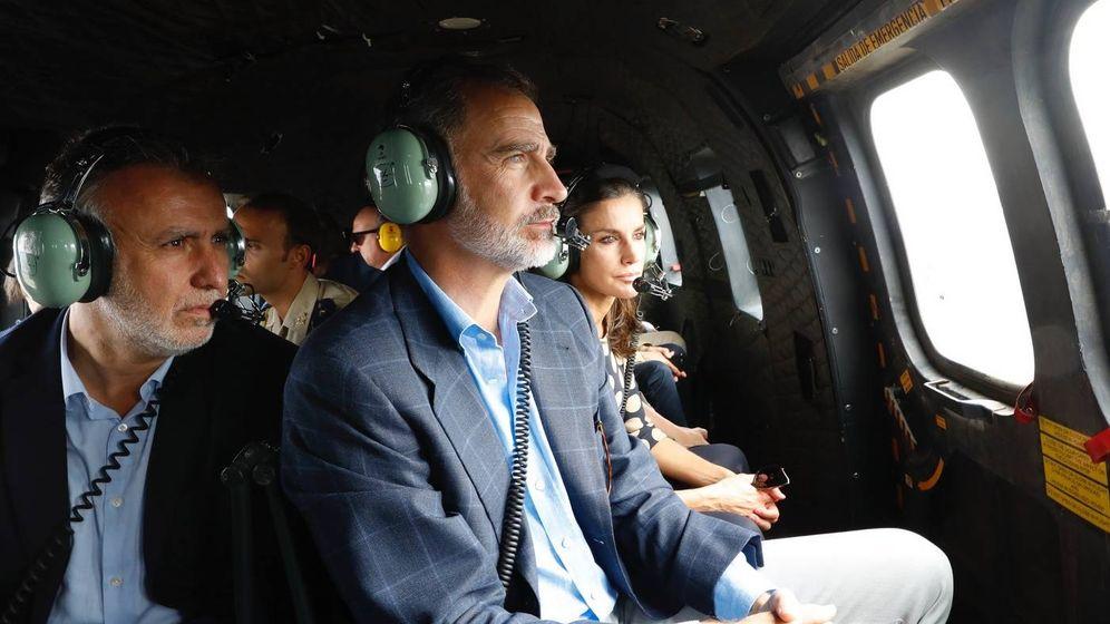 Foto: Los Reyes, en el helicóptero. (Casa Real)