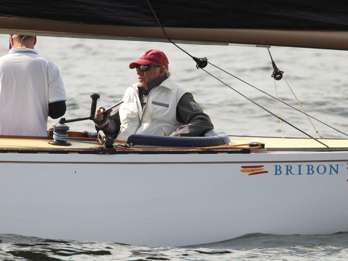 Foto: Juan Carlos I a bordo del Bribón, en una foto de archivo.