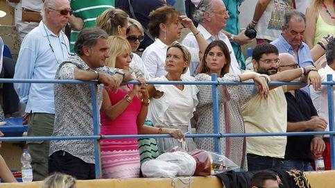 La tremenda cogida de Fran Rivera ante la atenta mirada de Lourdes Montes y Tana