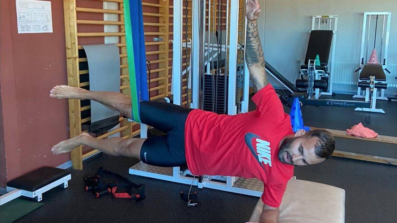 Foto: Jesé se ejercita en el gimnasio de su casa. (JeseRodriguez10)