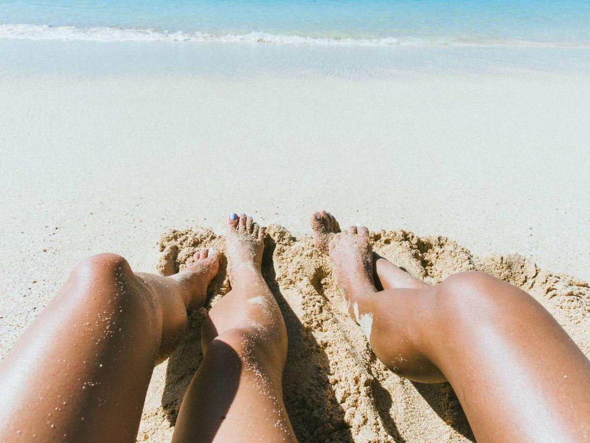Foto: Cosméticos para unas piernas más bonitas. (Channey para Unsplash)