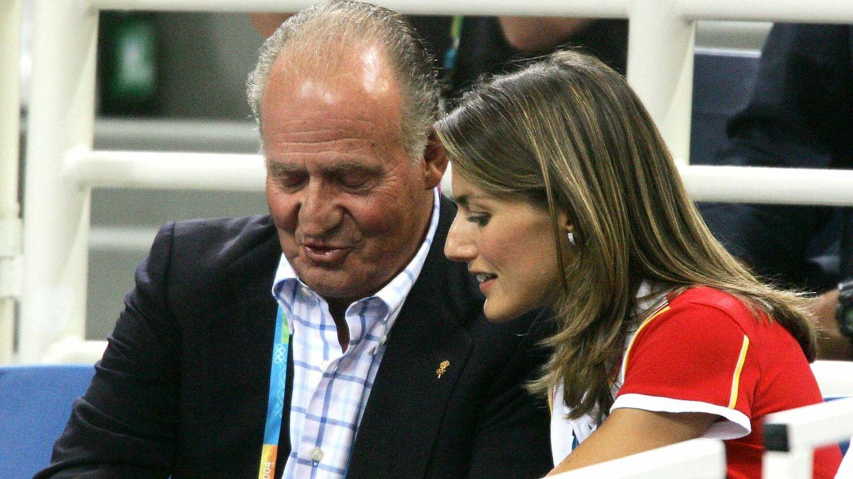 Doña Letizia y don Juan Carlos, en Atenas 2004. (Gtres)