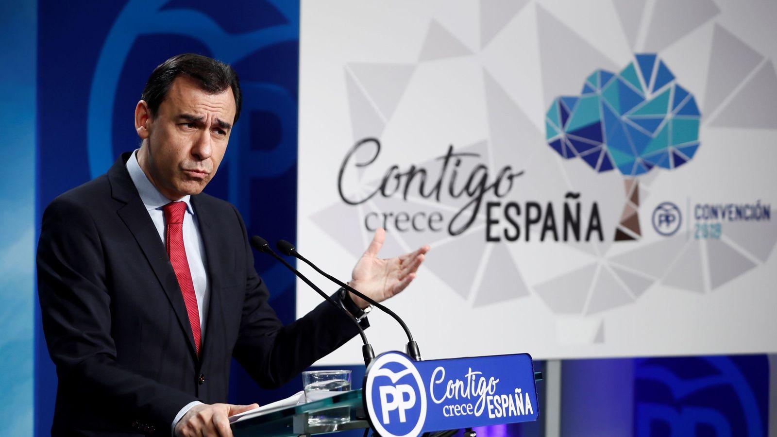 Foto: El PP cambia la gaviota por la encina para su convención nacional. (EFE)