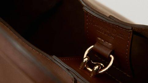 Si el cierre de este bolso de Massimo Dutti no consigue conquistarte, seguro que lo hace su diseño
