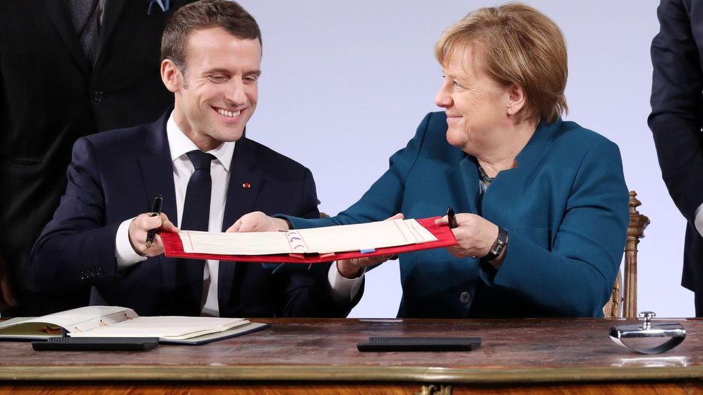 Foto: Macron y Merkel durante la firma del Tratado de Aquisgrán (EFE)
