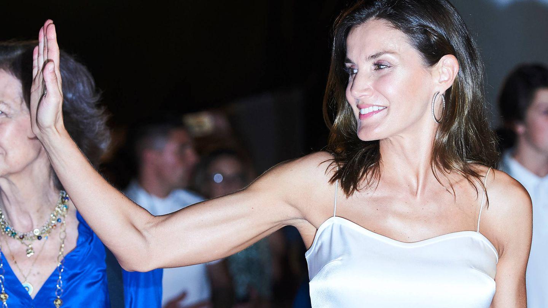 Letizia, el verano pasado, asistiendo al concierto de Ara Malikian en Mallorca. (Limited Pictures)