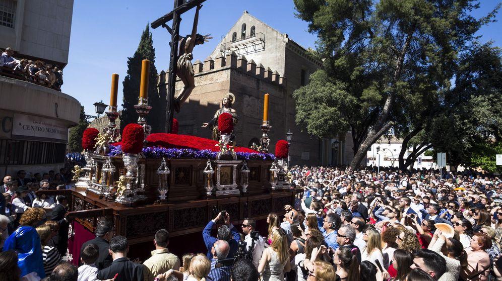 Foto: Procesión del Cristo de la Buena Muerte durante el pasado Domingo de Ramos en Sevilla. (EFE)