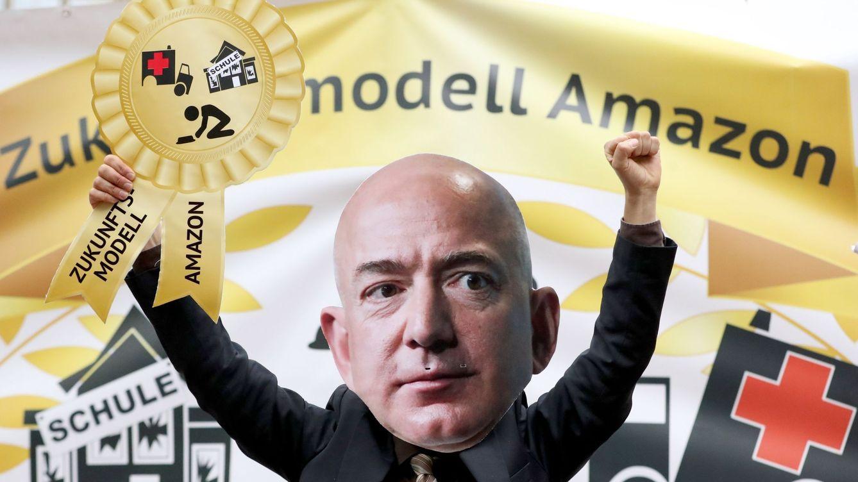 Foto: Protestas contra el fundador de Amazon, Jeff Bezos, el año pasado en Alemania. (Reuters)