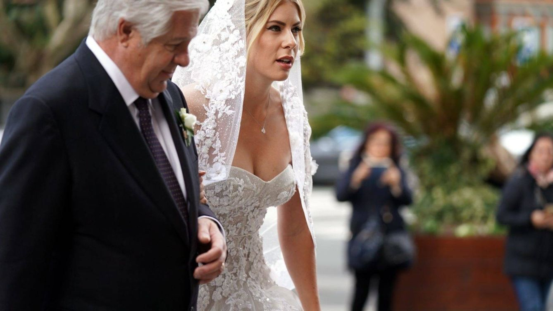 Exuberante y con todo lujo de detalles, el vestido de boda de la novia de Jon Rahm