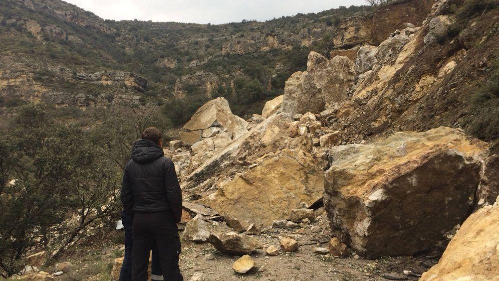 Foto: Desprendimiento de rocas en el que han muerto dos personas en Lleida. (Mossos)