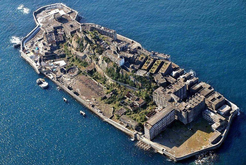 Foto: Así es Hashima, la isla fantasma de Japón: una ciudad sin vida en mitad del Pacífico. (CC/Wikimedia Commons)