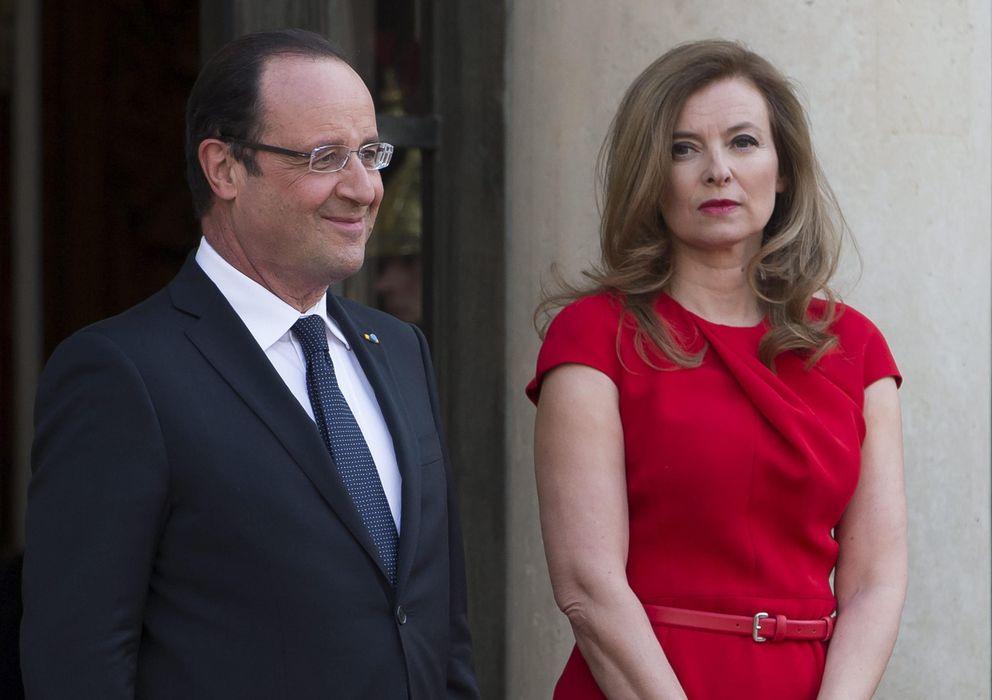 Foto: Hollande y su pareja, Valérie Trierweiler. (Efe)