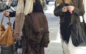 Patricia Rato arropa a su hija Alejandra