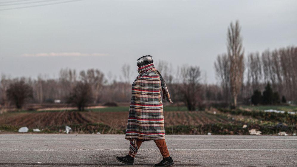 Foto: Un inmigrante en la frontera entre Turquía y Grecia. (Reuters)