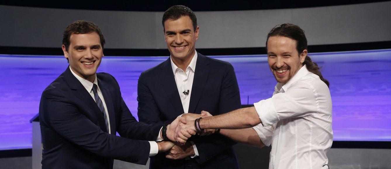 Foto: Albert Rivera, Pedro Sánchez y Pablo Iglesias antes de comenzar el debate electoral (Cordon Press)