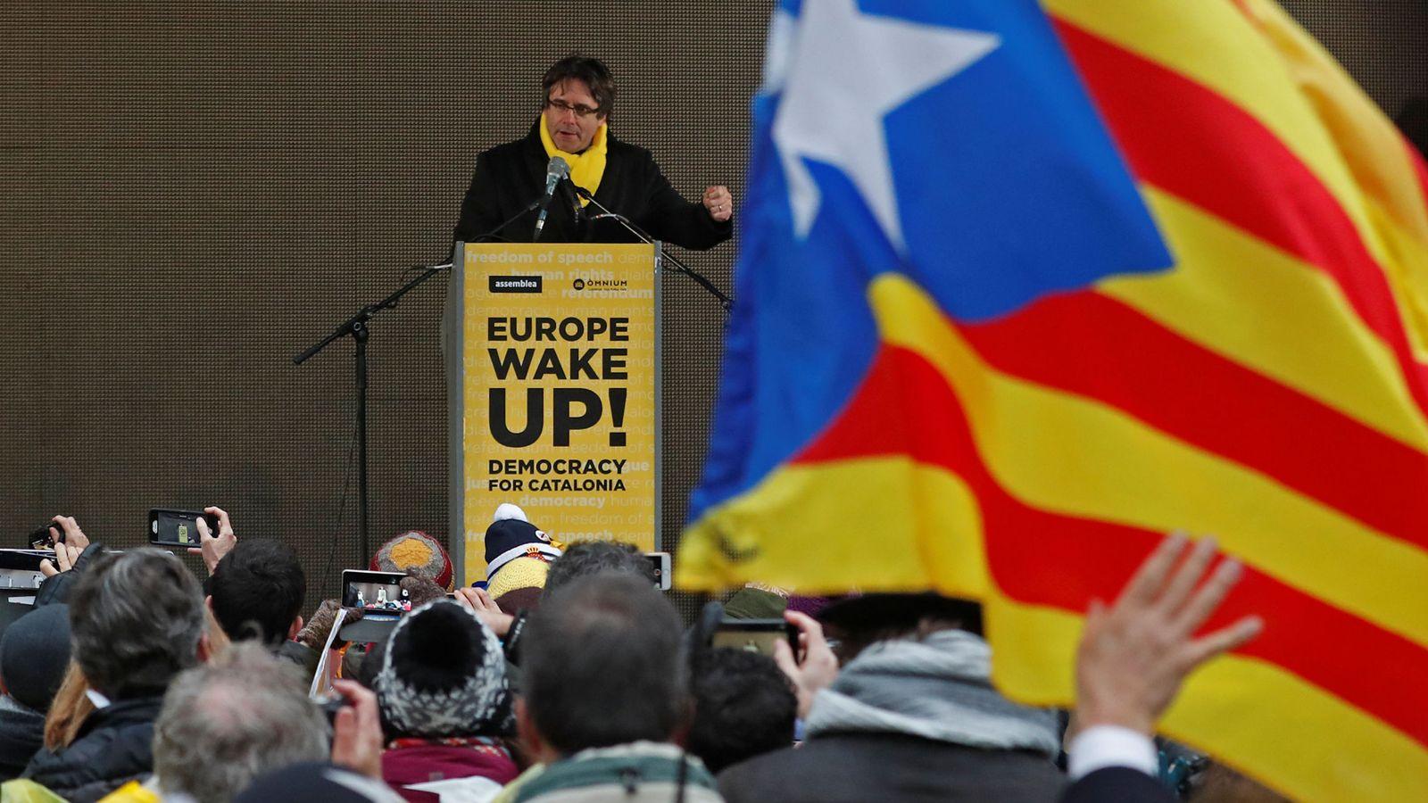 Foto: Carles Puigdemont tras la manifestación en Bruselas. (Reuters)