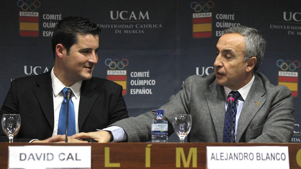 Foto: David Cal, junto al presidente del Comité Olímpico Español, Alejandro Blanco.