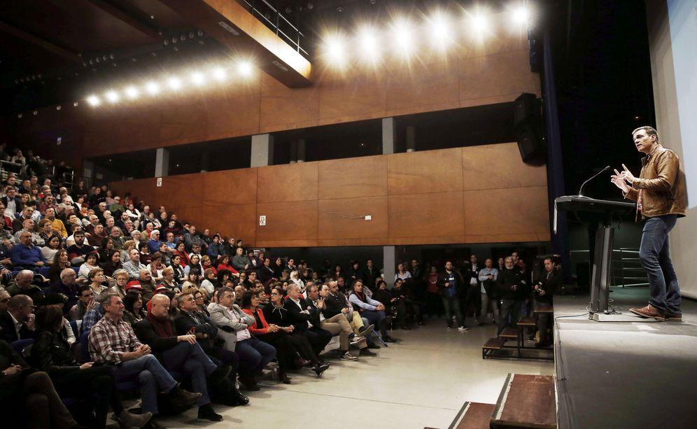 Foto: Pedro Sánchez, el pasado 24 de febrero en su acto con militantes y simpatizantes en Burlada, Navarra. (EFE)