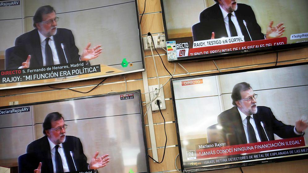 Foto: Mariano Rajoy, ayer, en todas las televisiones. (Reuters)
