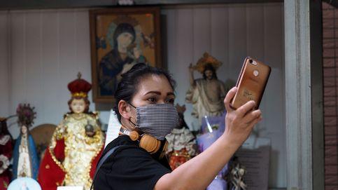 Un selfie a la hora para demostrar que se cumple cuarentena en un estado de la India