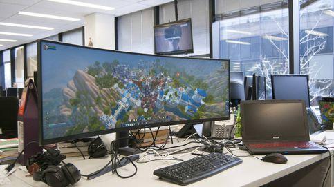He trabajado un mes con un gigantesco monitor curvado de 49'': esto es 'porno duro'
