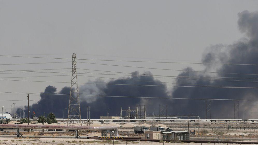 Foto: Las instalaciones de Aramco (Arabia Saudí), atacadas este sábado. (Reuters)