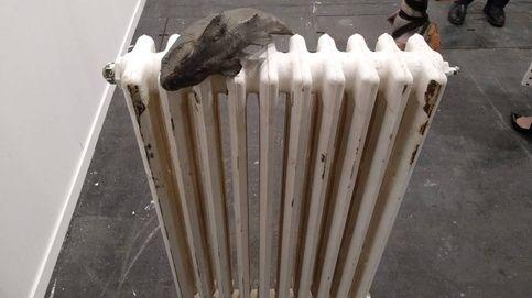 Una carpa en un radiador a 17.500 euros: ARCO 2020, ¿arte o cachondeo?