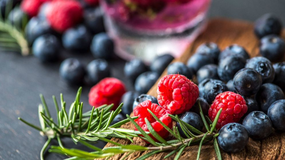 Foto: Incluye en tu dieta estos alimentos para reducir la celulitis. (Rawpixel)