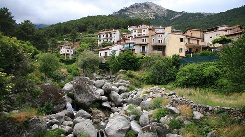 Guisando (Ávila) se encuentra en el Parque Natural de Gredos y tiene 5.000 ha urbanizables.