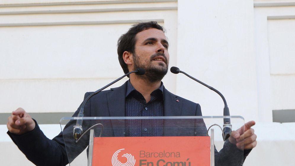Foto: Alberto Garzón, durante un mitin de apoyo a la candidatura liderada por Ada Colau, durante la campaña electoral. (EFE)