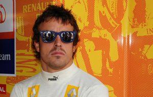 """Alonso: """"Ya veremos lo que ocurre hasta la última vuelta"""""""
