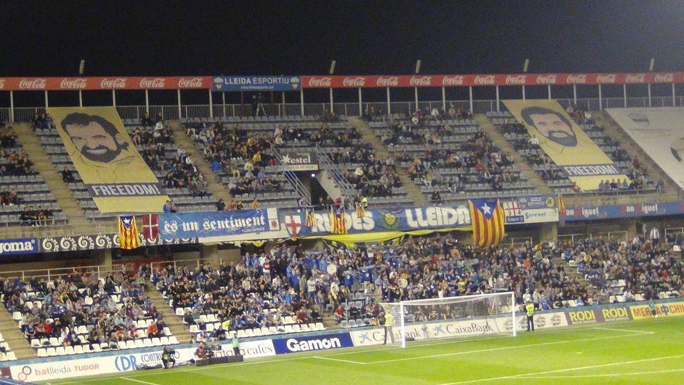 El Lleida desplega pancartas por la libertad de 'los Jordis' y la independencia