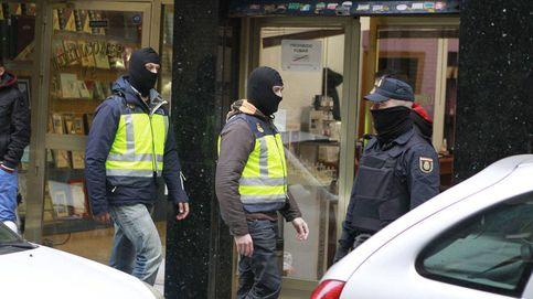 Porros, fiesta y sexo: la policía no descarta más abusos a niñas de la banda de Alicante