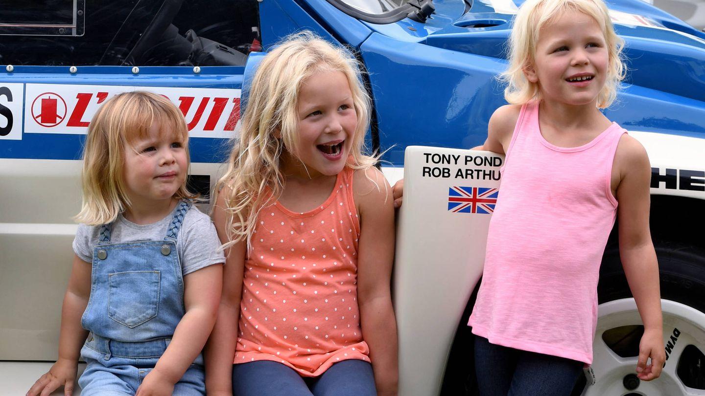 De izquierda a derecha: Mia Tindall, Savannah e Isla Phillips. (Gtres)