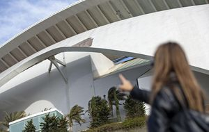 Valencia demandará a Calatrava por los desprendimientos del Palau
