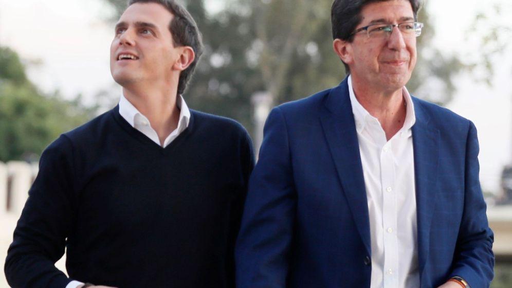 Foto: Albert Rivera y el vicepresidente de la Junta, Juan Marín, en Sevilla. (EFE)