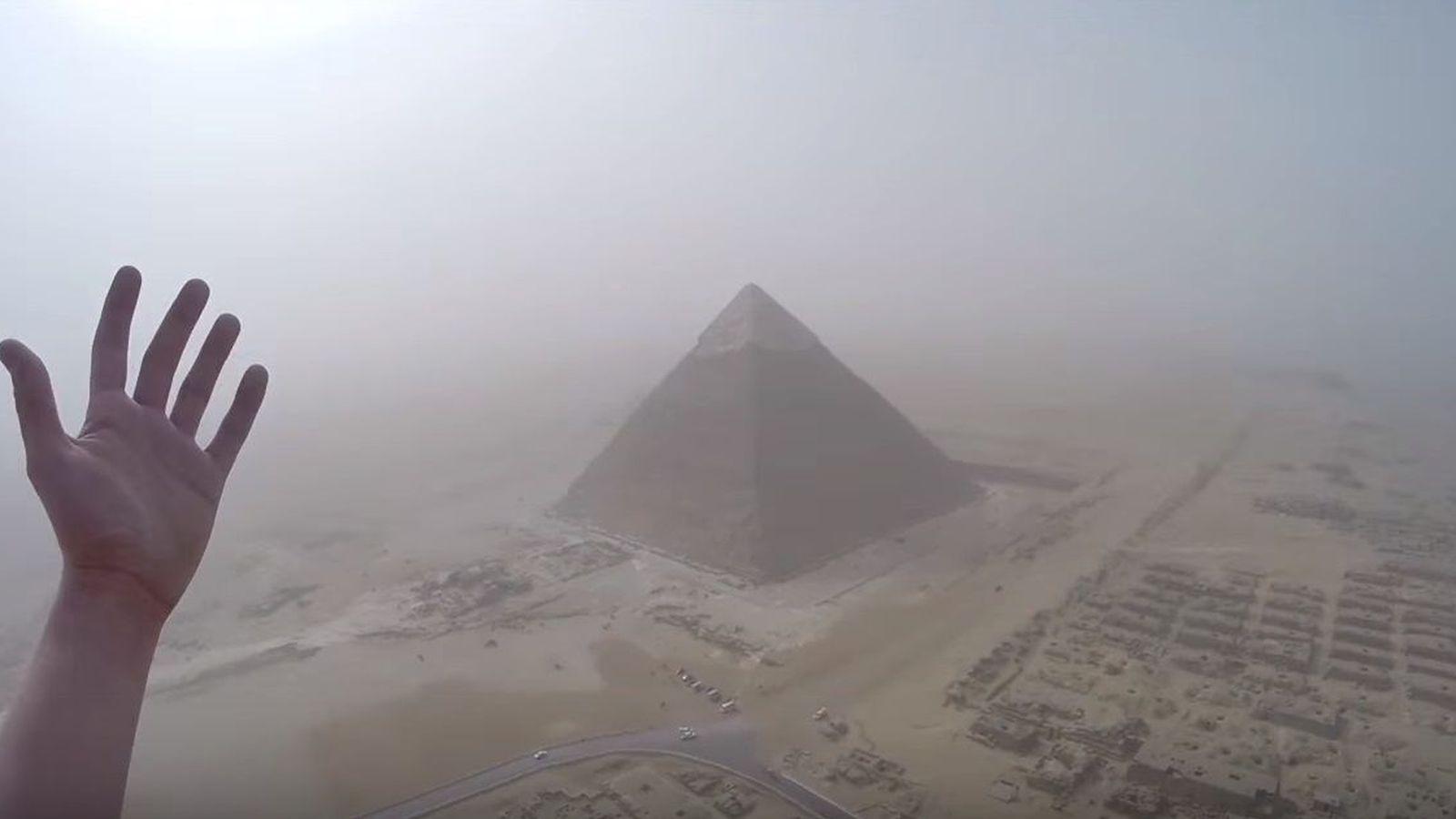 Foto: Vistas desde la cima de la pirámide de Keops, grabadas por Andrej Ciesielski