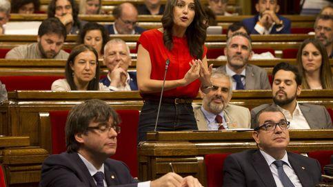 C's se lanza a seducir a los comunes para hacerse con el control del Parlament