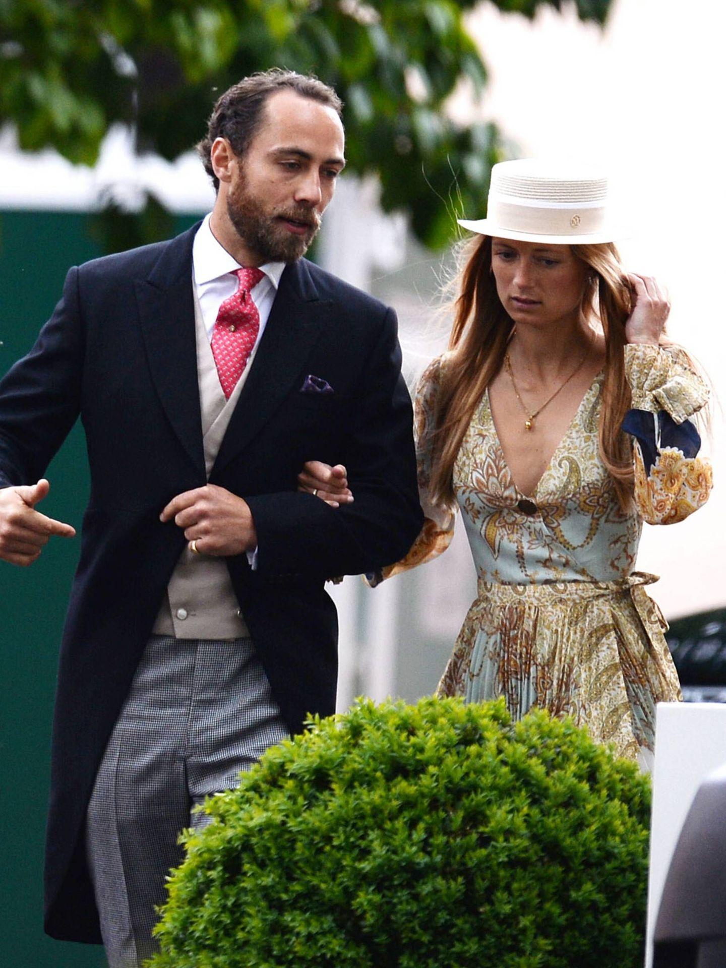 James Middleton y Alizèe Thevenet, en la boda de Lady Gabriella Windsor. (Cordon Press)