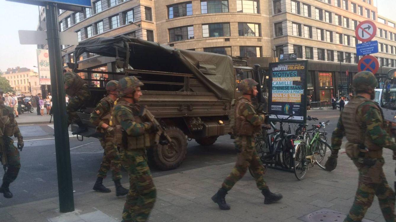 La bomba que detonó el terrorista de Bruselas llevaba clavos y botellas de gas