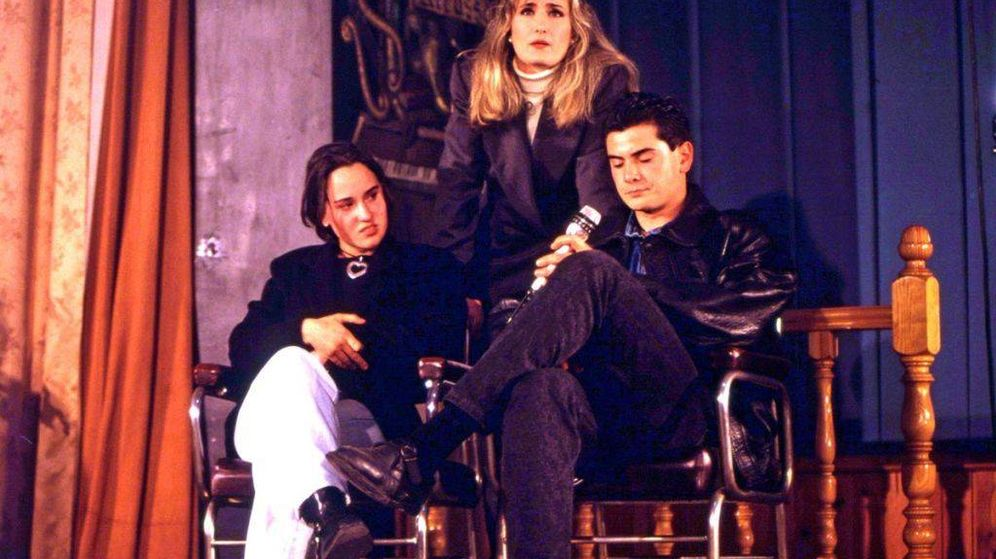 Foto: Nieves Herrero, durante el directo en el que comenzó la telebasura. (Televisión Española)