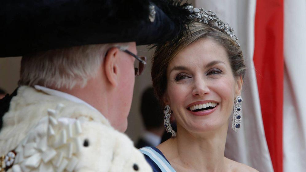 Foto: Una sonriente Letizia en la City de Londres. (Gtres)