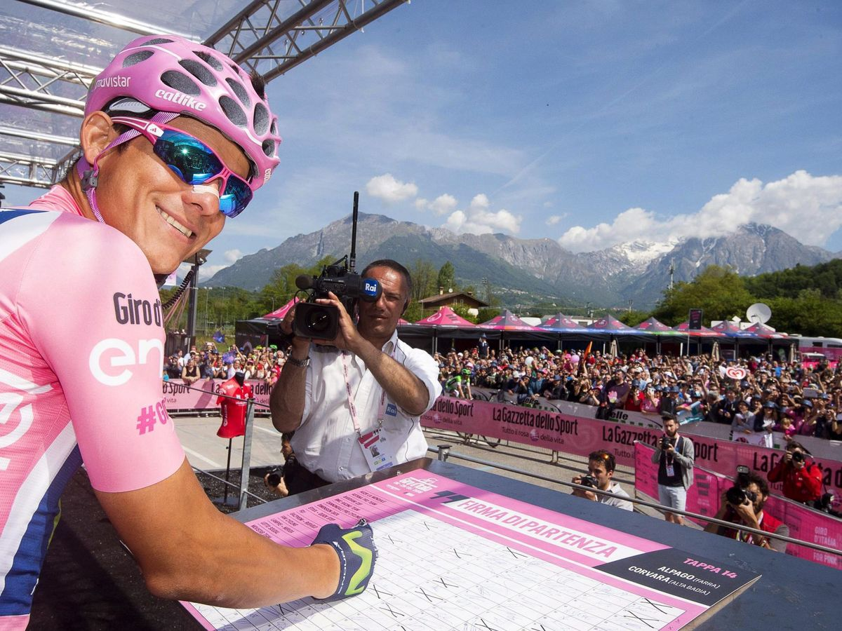 Foto: Andrey Amador, con la maglia rossa durante el Giro de Italia del 2016. (EFE)