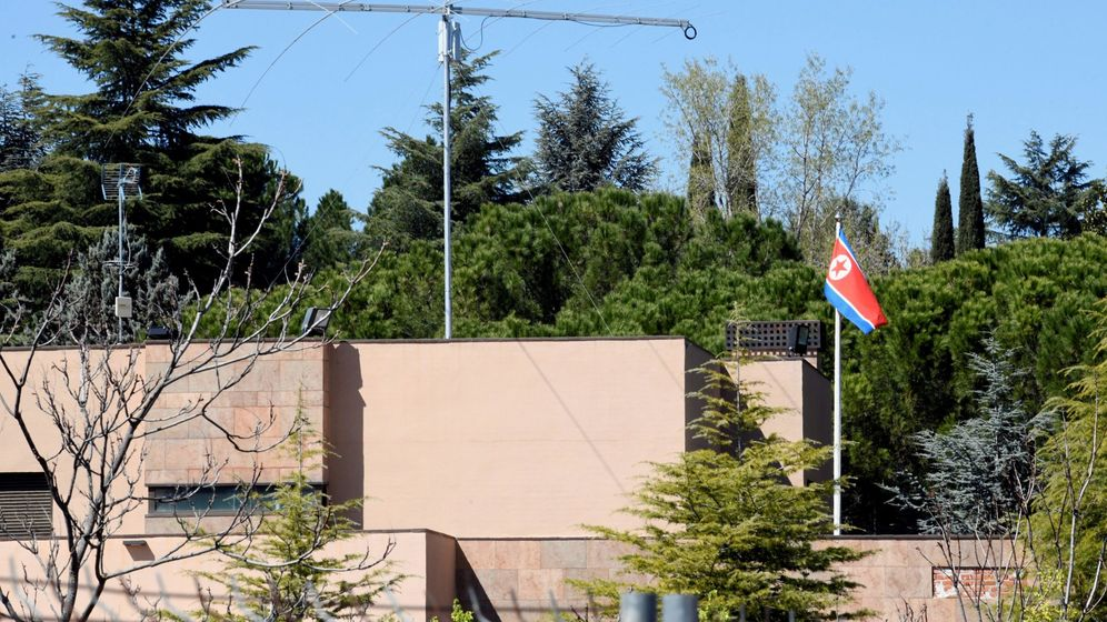 Foto: Vista del exterior de la Embajada de Corea del Norte en Madrid.