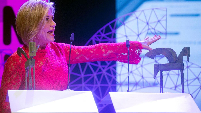 Julia Otero recibe el Premio Ondas en 2018. (EFE)