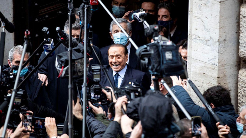 El mediático regalo que ha recibido Silvio Berlusconi por el Día del Padre