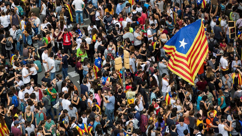 Manifestación en favor del 1 de octubre convocada por estudiantes de la universidad. (EFE)